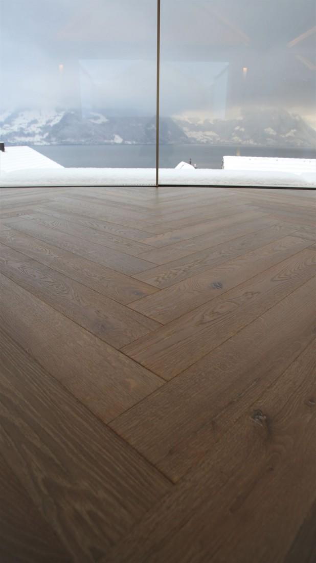 Ihr Fachmann für Parkett und Holzböden. Wir reparieren, pflegen und ölen Ihren Parkettboden