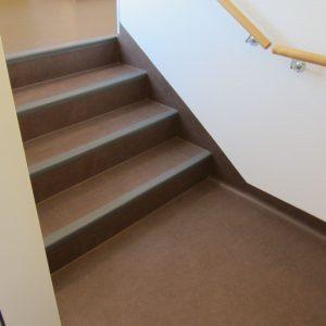 Treppe mir Linoleum, Treppe mit PVC, Treppe mit Kork, Treppe mit Parkett