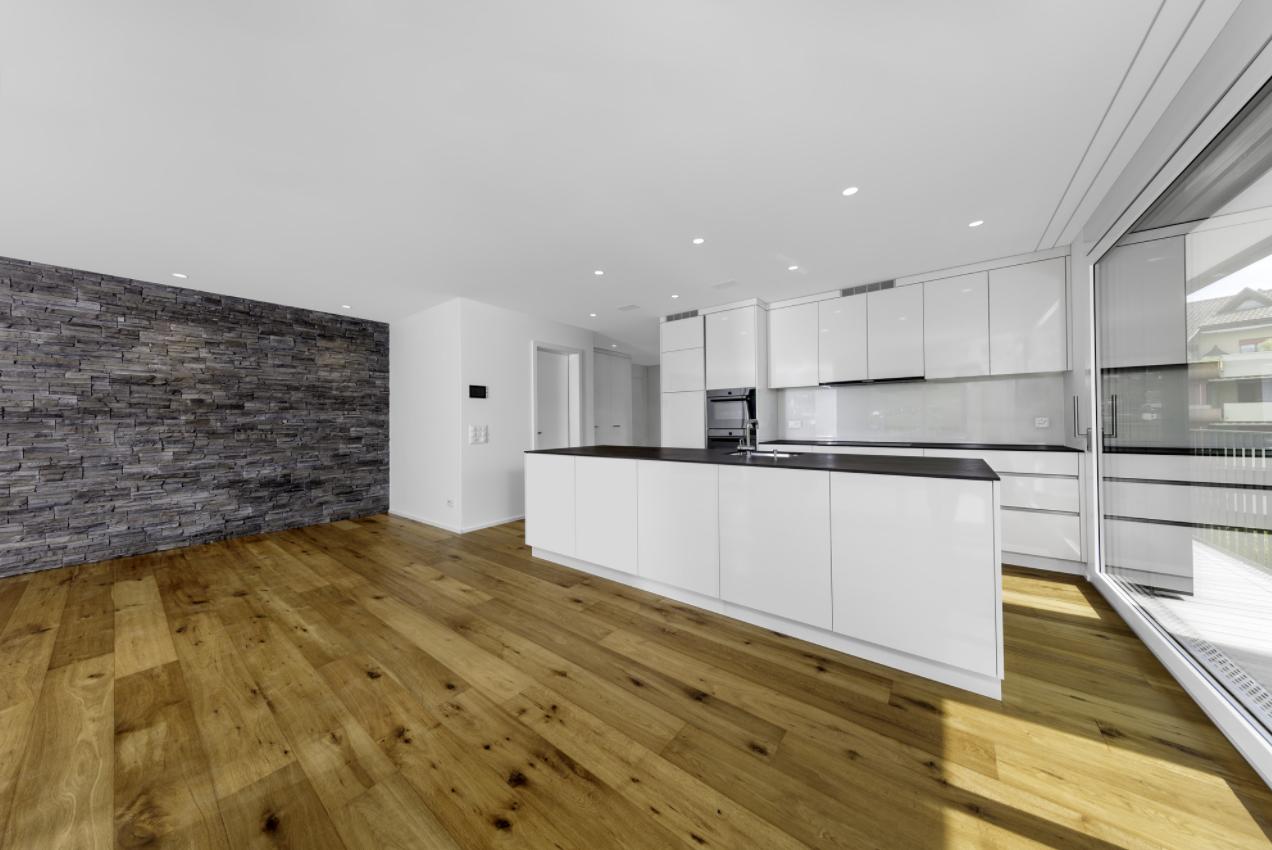 Küchen mit Parkett - länger schön als versiegelte Parkettböden