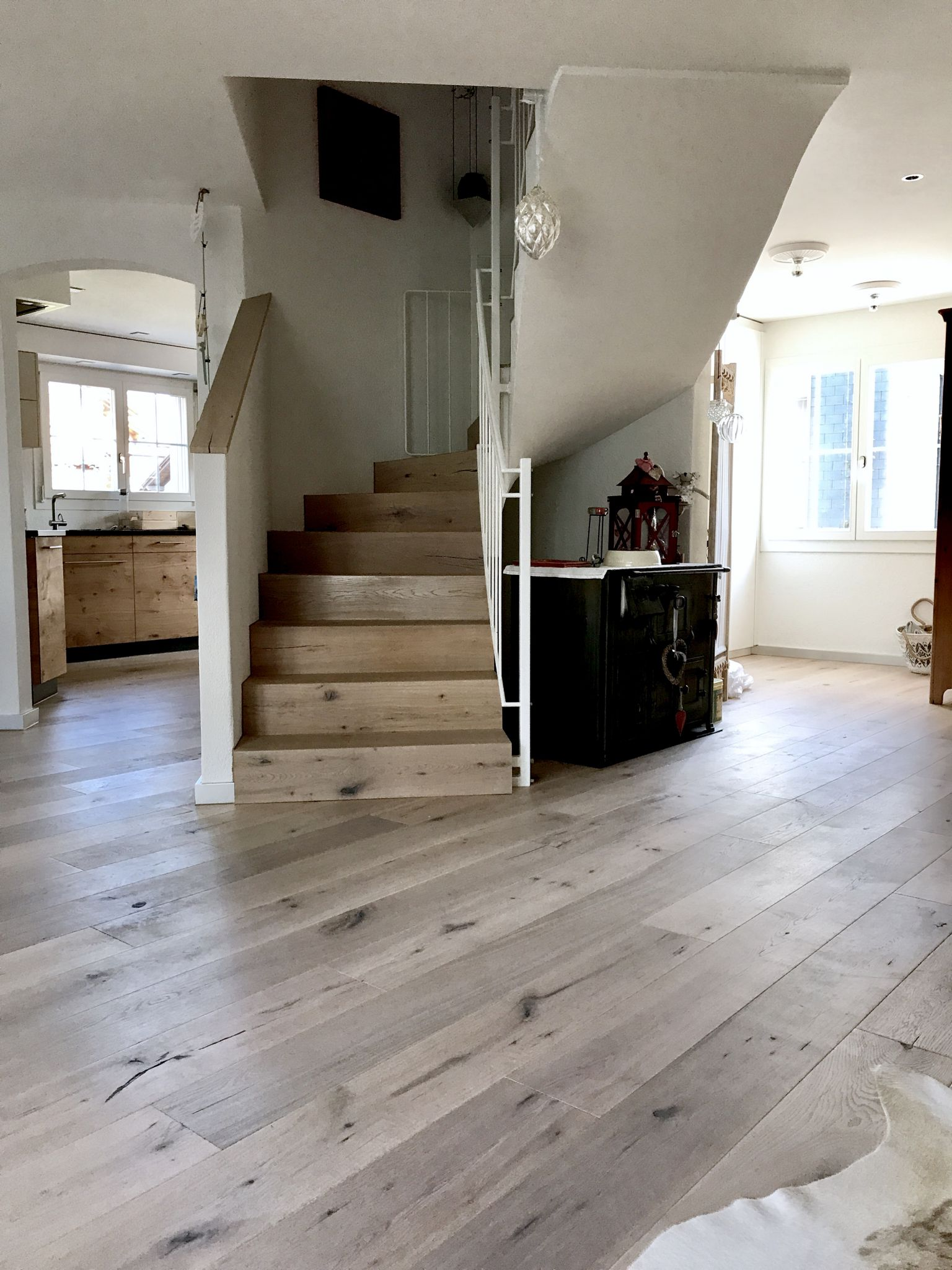 parkett in k che und bad nobilia k che magnolia hochglanz ikea kuche mobel selber bauen aus. Black Bedroom Furniture Sets. Home Design Ideas